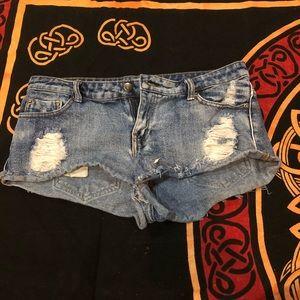 FOREVER 21 distressed denim shorts
